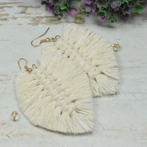 Makramowe kolczyki liście - kremowo złote