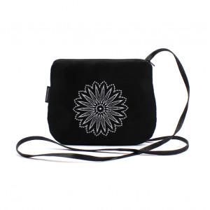 Mała czarna torebka damska Białe Koło