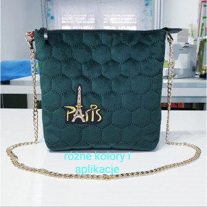Mała torebka łańcuszku – polećmy razem do Paryża