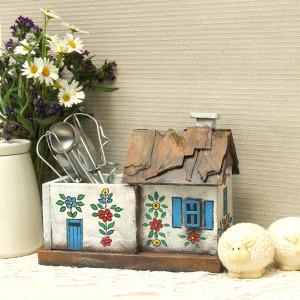 Malowana chatka - domek drewniany - organizer