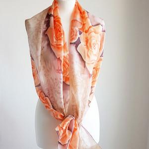 Malowany jedwabny szal - pomarańczowe róże