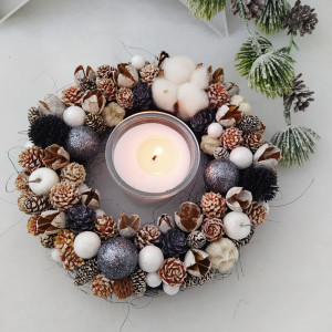 Mały czarny - wianek świąteczny na stół