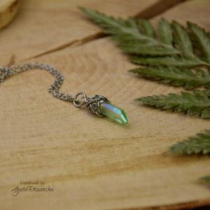 Mały wisiorek talizman zielony kryształ górski