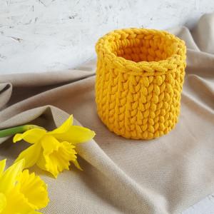 Mały żółty koszyczek