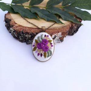 Medalion z motywem roślinnym II