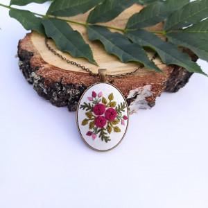 Medalion z motywem roślinnym V