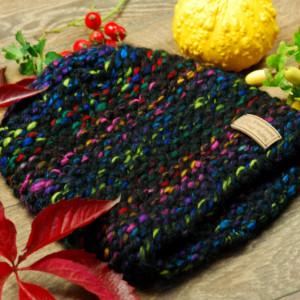 Melanżowa czapka na drutach