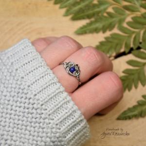 Mini pierścionek regulowany lapis lazuli