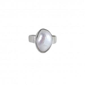Minimalistyczny  srebrny pierścionek z perłą