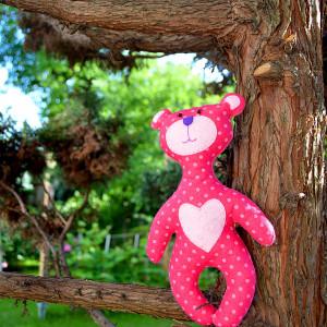 Miś duży, różowy w groszki, z sercem, filcowy