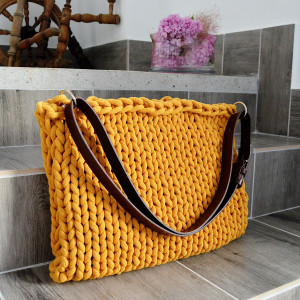 Musztardowa torba z bardzo grubego sznurka