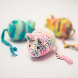 Myszka Crazy różowa zabawka dla kota