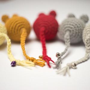 Myszka Simple czerwona zabawka dla kota