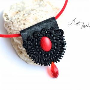 Naszyjnik czarno -czerwony