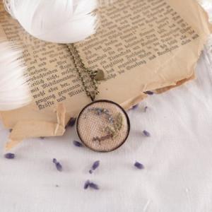 Naszyjnik haftowany Herbs, Niezapominajka