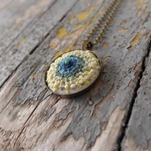 Naszyjnik haftowany mandala boho