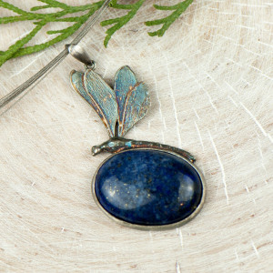 Naszyjnik srebrny z ważką i lapis lazuli a582