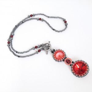 Naszyjnik z kryształami Swarovskiego i hematytami