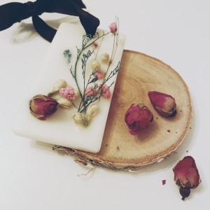 Naturalna tabliczka zapachowa NAOMI CANDLE