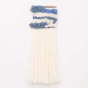 Niebieska puchata makatka