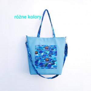 Niebieska torebka z kieszonką w błękitne kulki