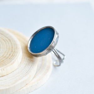 Niebieski dysk - duży pierścionek ze szkłem