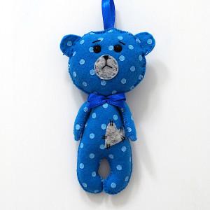 Niebieski miś filcowy