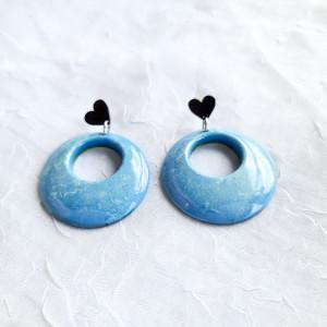 Niebieskie kolczyki z serduszkiem