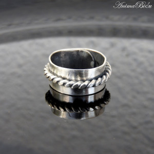 Obrączka srebrna ze splotem