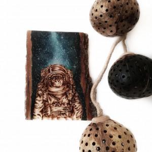 Obraz wypalany w drewnie. Akwarela. Małpa. Kosmos