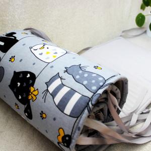 Ochraniacz do łóżeczka lub kołyski 300cm kotki