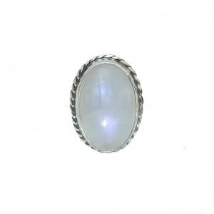 Okazały pierścień z kamieniem księżycowym