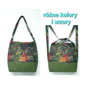 Oliwkowy torebko plecak w czerwone kwiaty