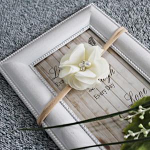 Opaska kwiatuszek kremowy cyrkonie chrzest
