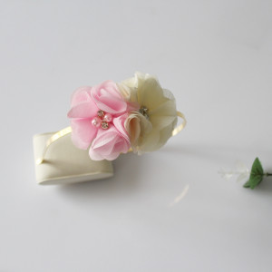 Opaska kwiatuszki różowy/ecru cyrkonie
