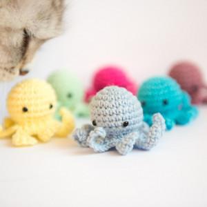 Ośmiorniczka z kocimiętką zabawka dla kota