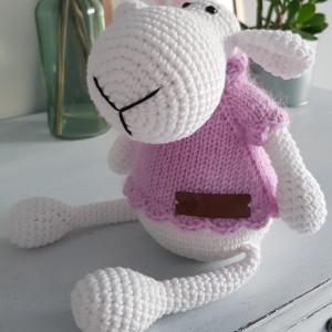 Owca w sweterku
