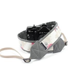 Pasek do aparatu camera strap Kwiaty na szarym