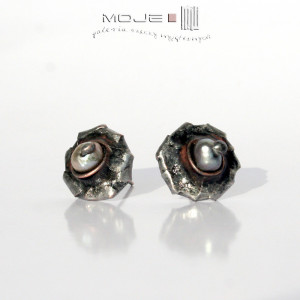 Perłowe oko - kolczyki sztyfty