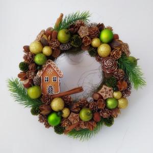 Piernikowa Chatka w lesie - wianek świąteczny