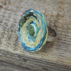 Pierścionek niebiesko-żółty