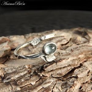 Pierścionek srebrny z akwamarynem listek