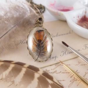 Akwarela - piórko, ręcznie malowany wisiorek
