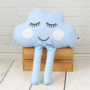 Poduszka chmurka z muszką - niebieska