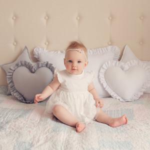 Poduszka serce z falbanką 35x35cm biała