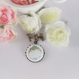 Porcelanowa broszka Róże
