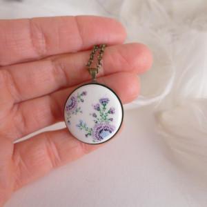 Porcelanowy naszyjnik fioletowe osty