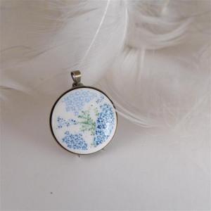 Porcelanowy naszyjnik w kwiatki 1