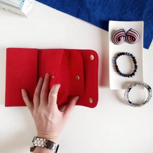 Portfel czerwony średni