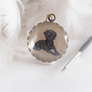 Portret psa, ręcznie malowany naszyjnik
